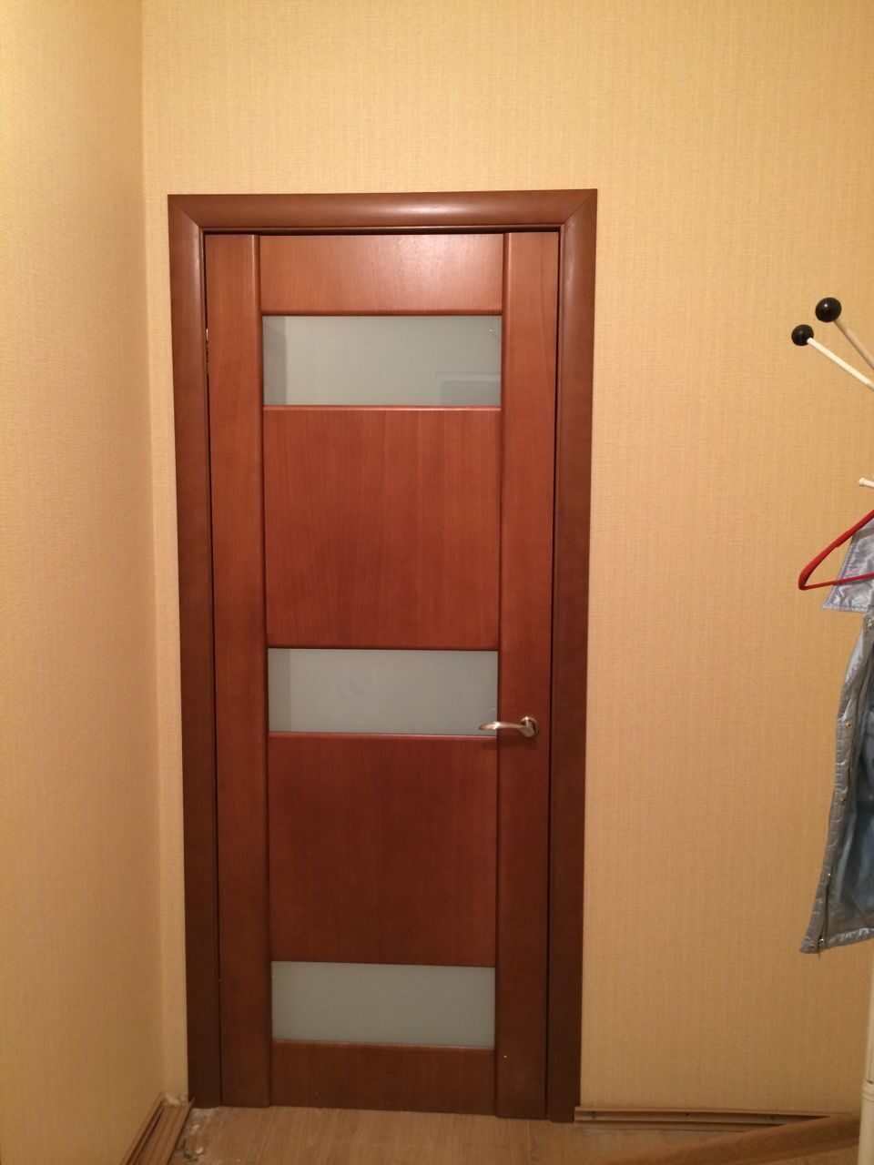 входные двери ручная отделка в квартире из квартиры